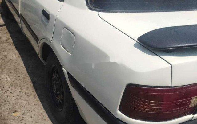 Cần bán xe Mazda 323 năm sản xuất 1995, màu trắng, nhập khẩu3