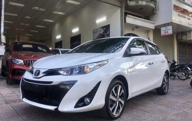 Cần bán lại xe Toyota Yaris đời 2019, màu trắng xe gia đình giá chỉ 620 triệu đồng0