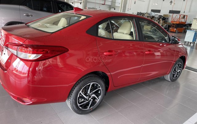 Bán Toyota Vios 1.5E CVT năm sản xuất 2021, màu đỏ giao ngay3