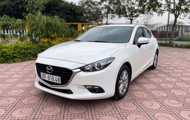 Cần bán gấp Mazda 3 hatchback năm 2019, màu trắng cực lướt0