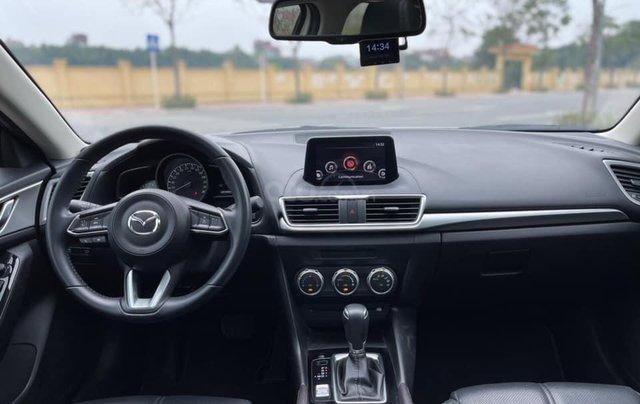 Cần bán gấp Mazda 3 hatchback năm 2019, màu trắng cực lướt4