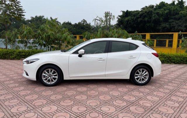 Cần bán gấp Mazda 3 hatchback năm 2019, màu trắng cực lướt2