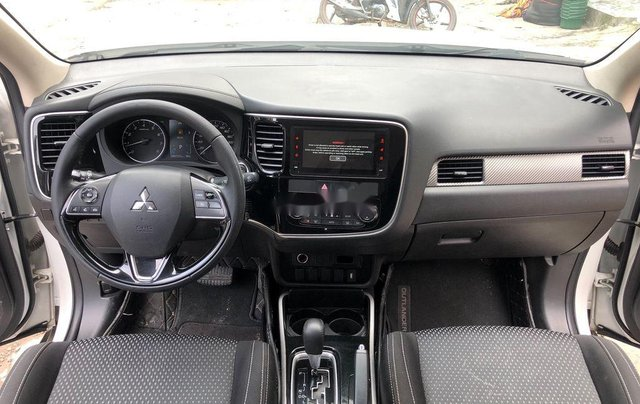 Xe Mitsubishi Outlander sản xuất năm 2019, giá chỉ 775 triệu8