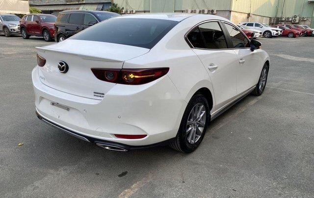 Cần bán lại xe Mazda 3 đời 2019, màu trắng chính chủ, giá 819tr5