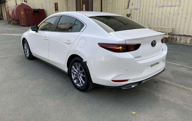 Cần bán gấp Mazda 3 năm 2020, màu trắng, nhập khẩu 3