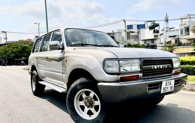 Bán Toyota Land Cruiser năm sản xuất 1993, màu bạc, nhập khẩu nguyên chiếc số sàn giá cạnh tranh0