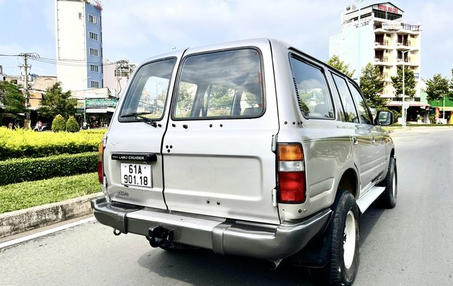 Bán Toyota Land Cruiser năm sản xuất 1993, màu bạc, nhập khẩu nguyên chiếc số sàn giá cạnh tranh4
