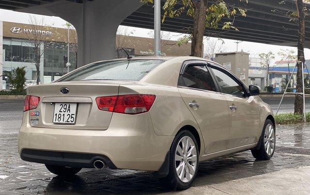 Bán xe Kia Forte đăng ký lần đầu 2011, màu kem (be), xe nhập, giá chỉ 315 triệu đồng1