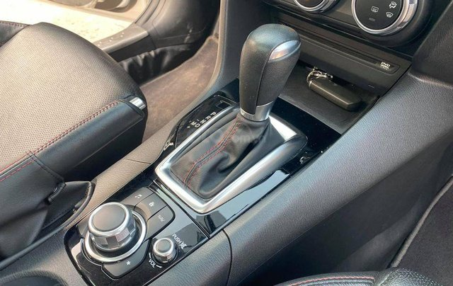 Bán xe giá thấp với chiếc Mazda 3 hatchback đời 20165