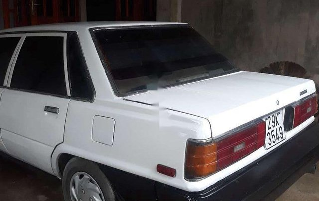 Bán Toyota Camry đời 1985, màu trắng, xe nhập còn mới2