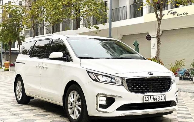 Cần bán lại xe Kia Sedona 2.2 DAT Luxury đời 2019, màu trắng còn mới0
