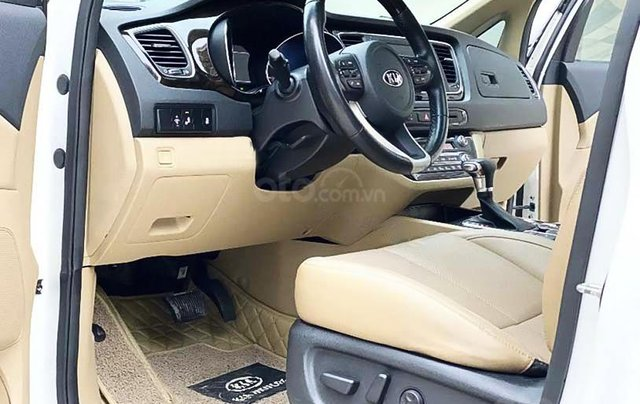 Cần bán lại xe Kia Sedona 2.2 DAT Luxury đời 2019, màu trắng còn mới4