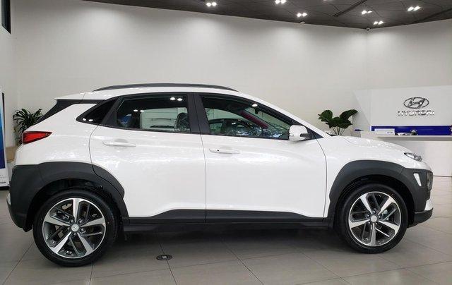 Bán Hyundai Kona 2021 giá chỉ từ 619tr1