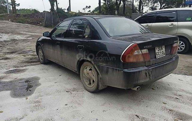 Cần bán gấp Mitsubishi Lancer đời 2001, màu đen 2