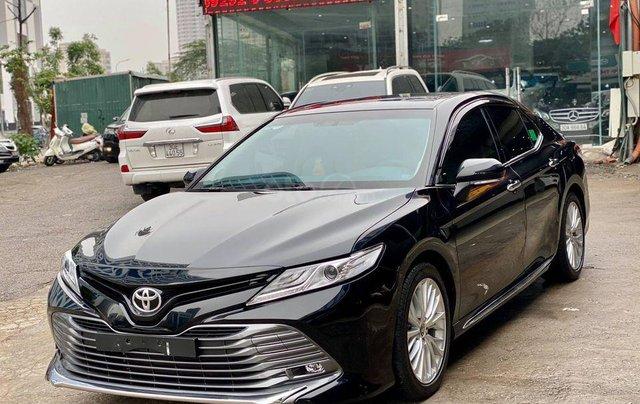 Cần bán lại xe Toyota Camry năm sản xuất 2019, màu đen, nhập khẩu giá cạnh tranh0