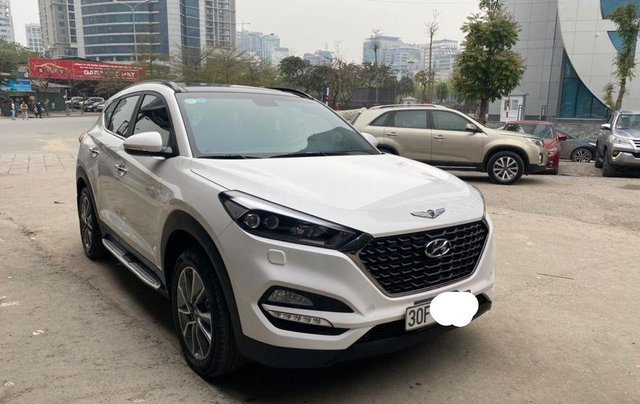 Bán xe Hyundai Tucson đời 2019, màu trắng, xe nhập số tự động0
