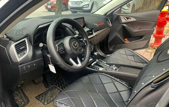 Bán Mazda 3 đời 2017, màu đen1