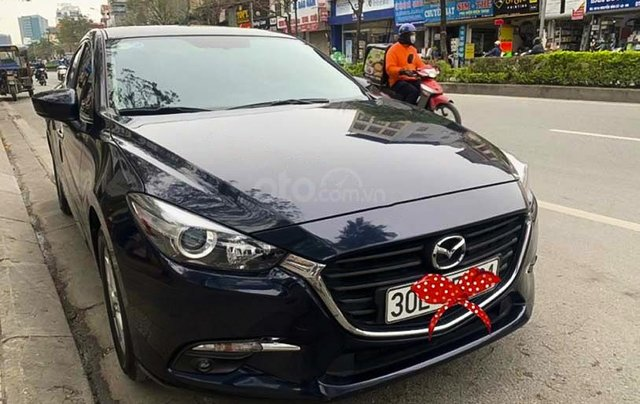 Bán Mazda 3 đời 2017, màu đen0