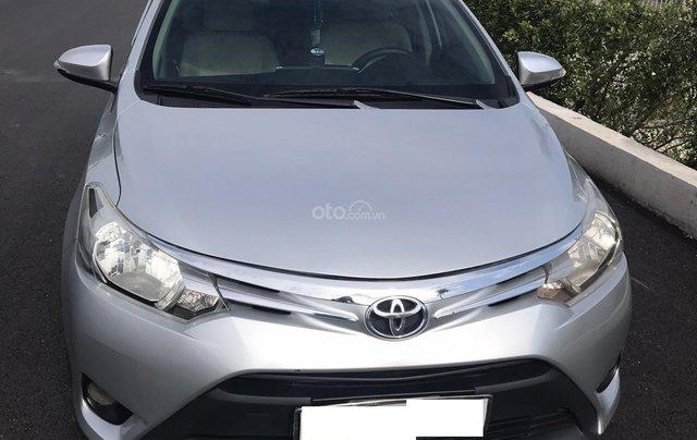 Cần bán gấp xe Vios 2015 E 1.5 số sàn, chính chủ nữ, năm sản xuất 20154
