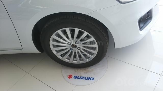 Suzuki Ciaz - 2021 tặng nhiều phụ kiện giá trị trong T3, xe đủ màu giao ngay tận nơi5
