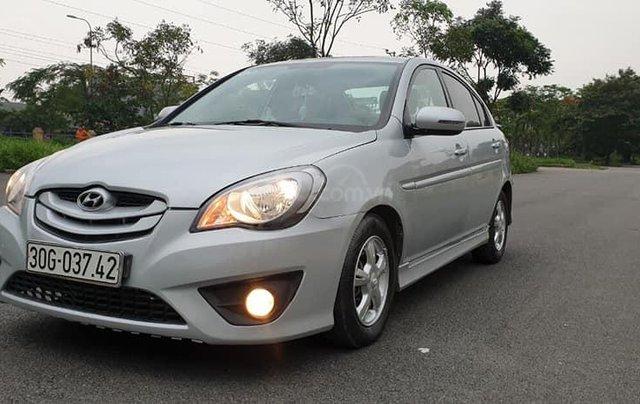 Cần bán lại xe Hyundai Verna 2009, màu bạc số tự động, giá 10tr