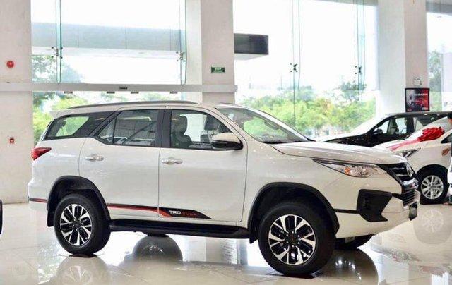 Bán Toyota Fortuner năm sản xuất 2012, màu trắng, 480tr