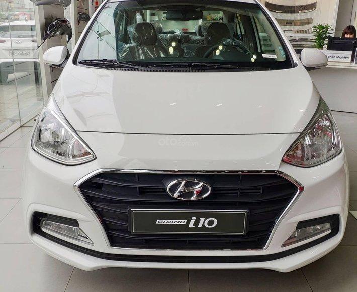 Hyundai Grand i10 2021, giảm trực tiếp tiền mặt, gói quà tặng từ hãng, giao xe ngay0