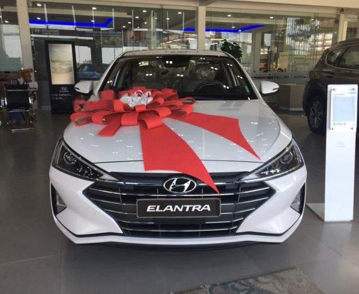 Cần bán Hyundai Elantra 1.6MT năm sản xuất 2019 giá cạnh tranh0