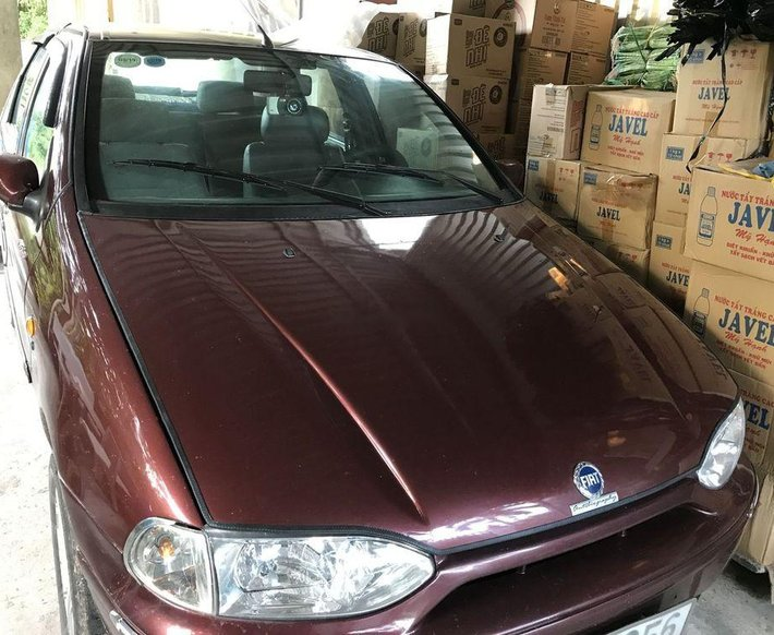 Bán xe Fiat Siena năm sản xuất 2003, màu đỏ số sàn0