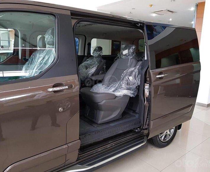 Ford Tourneo model 2020 - ngập tràn ưu đãi, tặng kèm phụ kiện5
