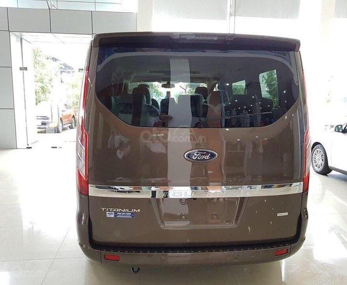 Ford Tourneo model 2020 - ngập tràn ưu đãi, tặng kèm phụ kiện7