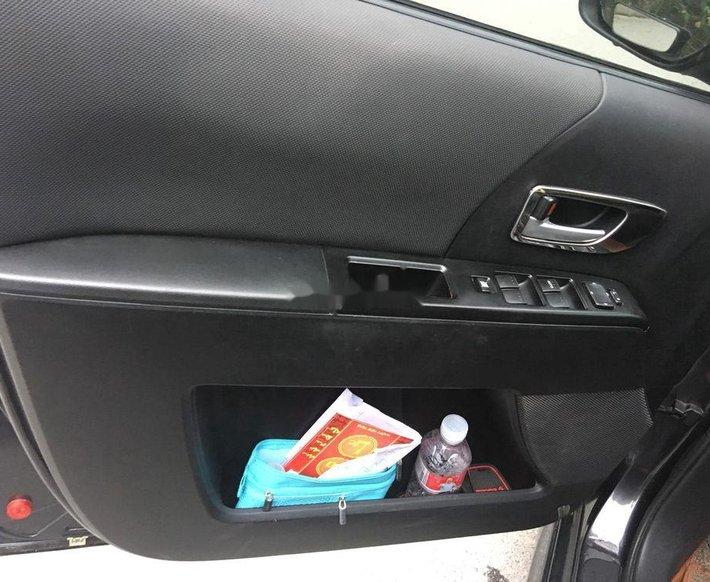 Cần bán nhanh với giá thấp chiếc Mazda 5 sản xuất 2010 số tự động, xe nhập khẩu2