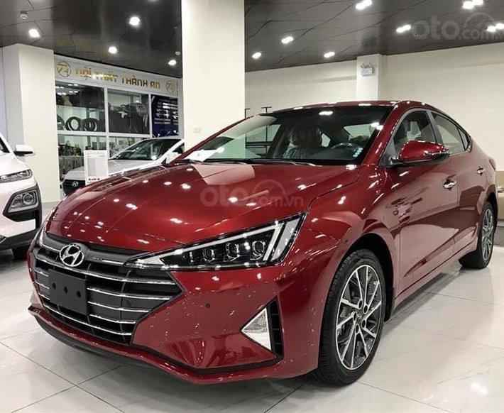 Bán Hyundai Elantra MT 2020, màu đỏ, xe nhập, giá chỉ 548 triệu - giao xe toàn quốc0