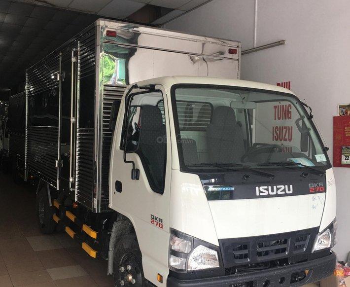 Isuzu 1.990kg thùng kín inox 4.4m, KM: Máy lạnh, 12 phiếu bảo dưỡng0