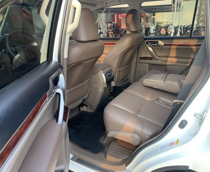 Bán Lexus GX460 sản xuất 2010, màu trắng xe gia đình5