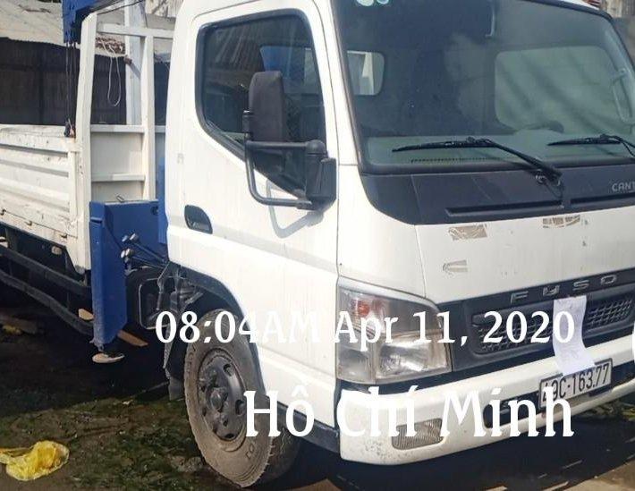 Bán xe có cần cẩu nhãn hiệu Fuso số loại Canter, đời 2016/Việt Nam giá 450tr, biển số 49 Lâm Đồng0
