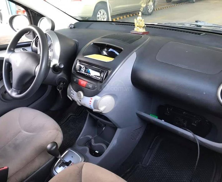 Đổi xe cần bán Peugeot 107, 1.0, số tự động 20103