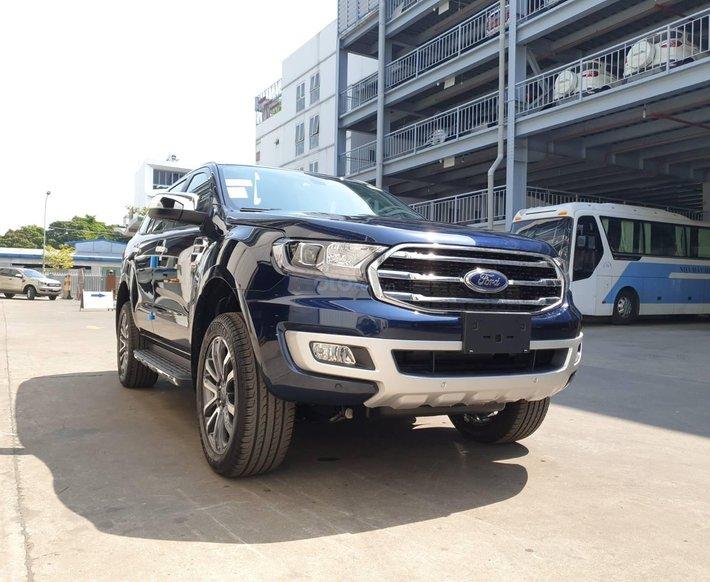 """Ford Everest Titanium 2020 - """"giao ngay""""0"""