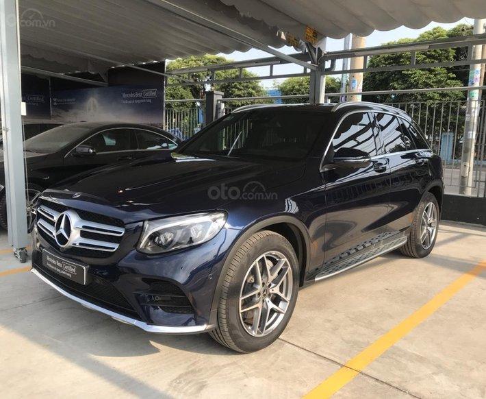 Mercedes GLC300 4matic xanh đen trả trước 700tr nhận xe0