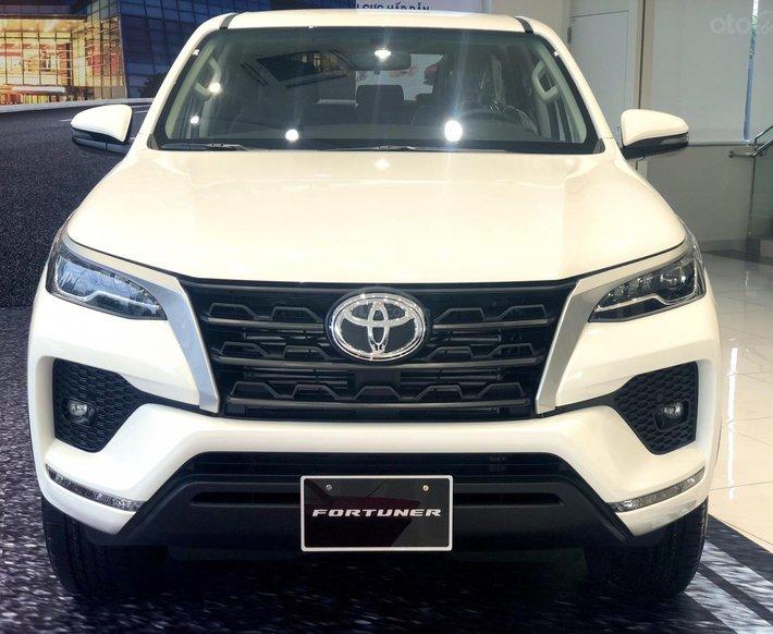 Toyota Fortuner 2021 đủ màu giao ngay, chỉ 255tr là có xe0