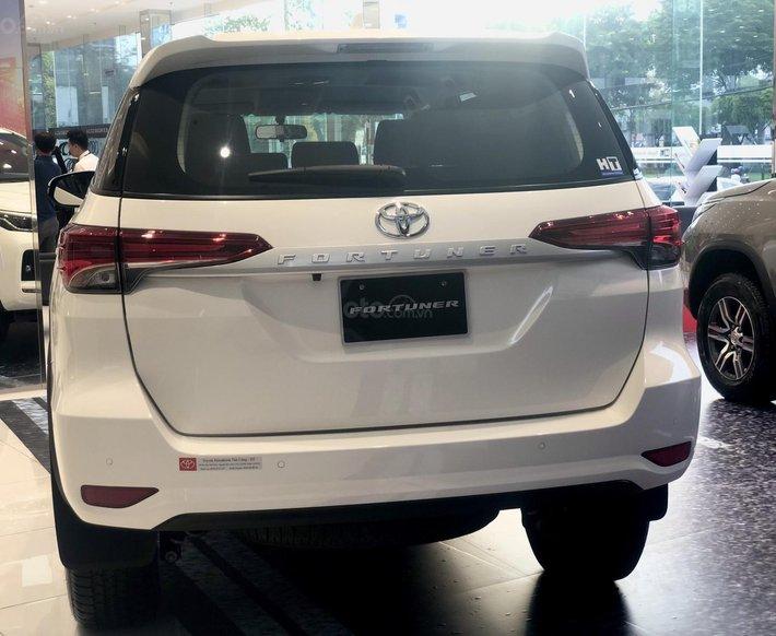 Toyota Fortuner 2021 đủ màu giao ngay, chỉ 255tr là có xe3