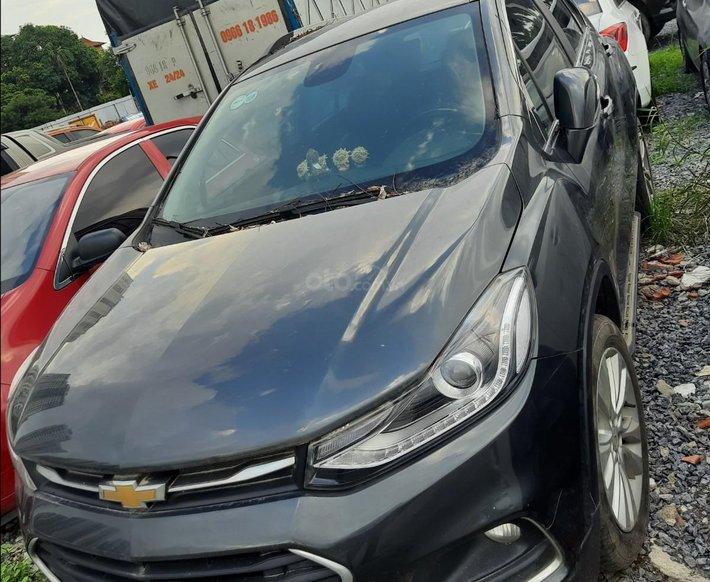 Cần bán lại xe Chevrolet Trax sản xuất 2016, màu đen, nhập khẩu số tự động0