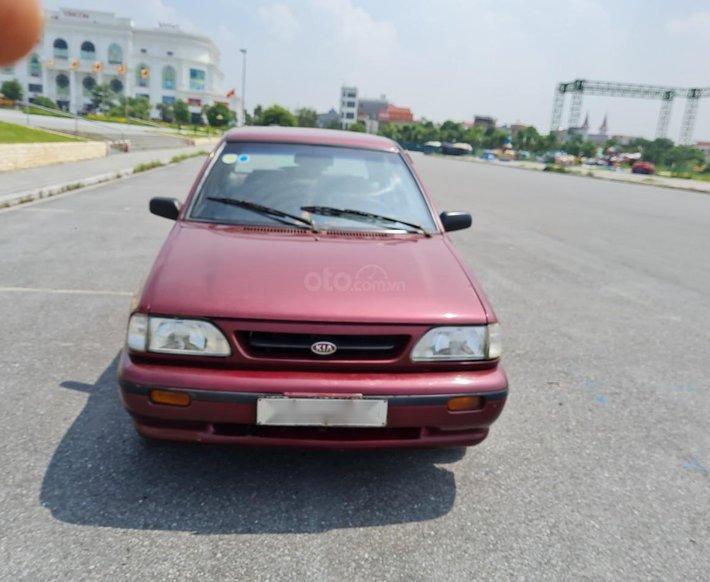Cần bán Kia Pride GTL, SX 2001, máy xăng, nhập khẩu, đã chạy 80000km, xăng 6 L/100km, nội thất màu ghi, xe 5 cửa, máy 1.30