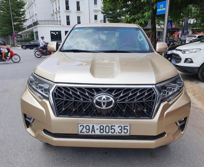 Bán Toyota Prado form mới, xe chất màu vàng cát0