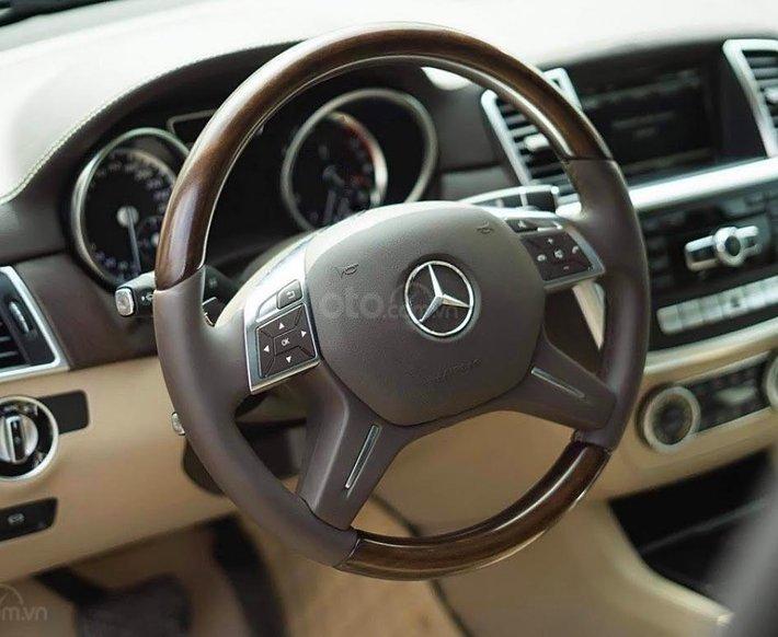 Bán gấp chiếc Mercedes Benz GL 400 sản xuất 2014, chính chủ sử dụng3