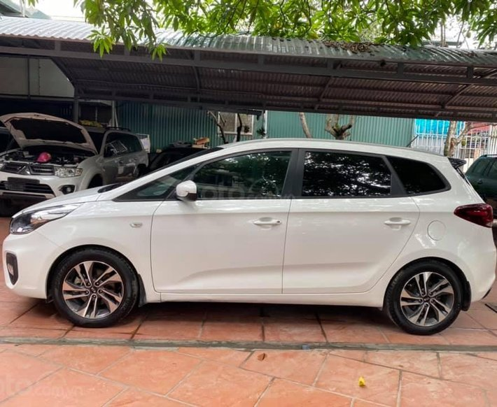 Bán xe Kia Rondo SX 2018 màu trắng, máy chất0