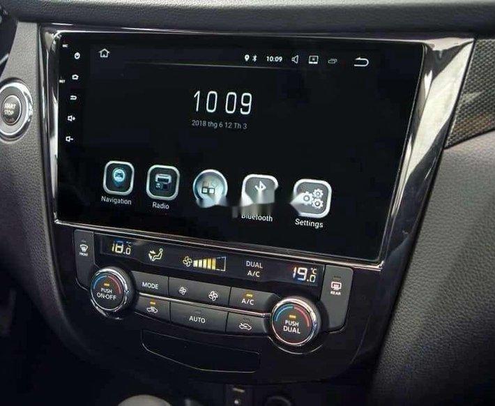 Bán xe Nissan X trail năm sản xuất 2020, màu trắng 3