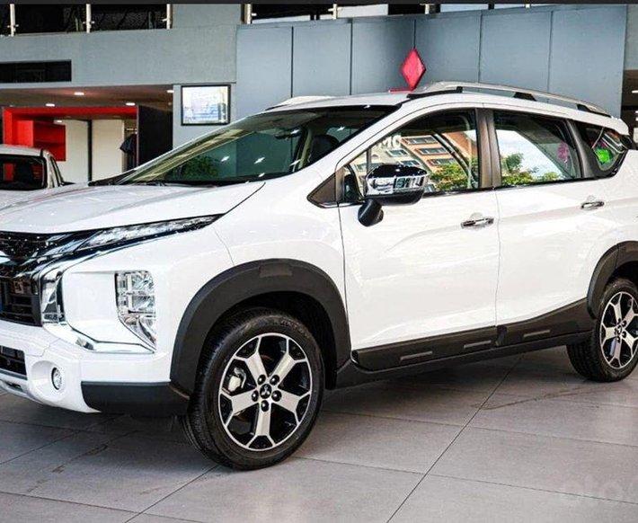 Mitsubishi Hà Nội bán xe Xpander Cross giá ưu đãi, hỗ trợ trả góp 85%0