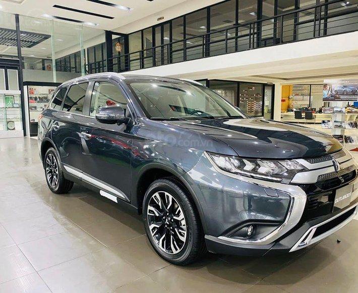 Mitsubishi Outlander 2020 nhiều màu, giá tốt, giao ngay, hỗ trợ trả góp 85% giá trị xe0
