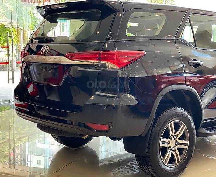 Cần bán xe Toyota Fortuner 2.4G AT 4x2 2020, màu đen1